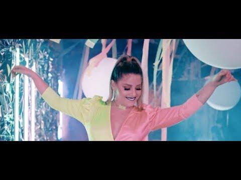 Смотреть клип Nikki Mackliff - Fin De Semana
