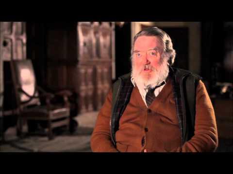 """Albert Finney """"SKYFALL"""" Interview! [HD]"""