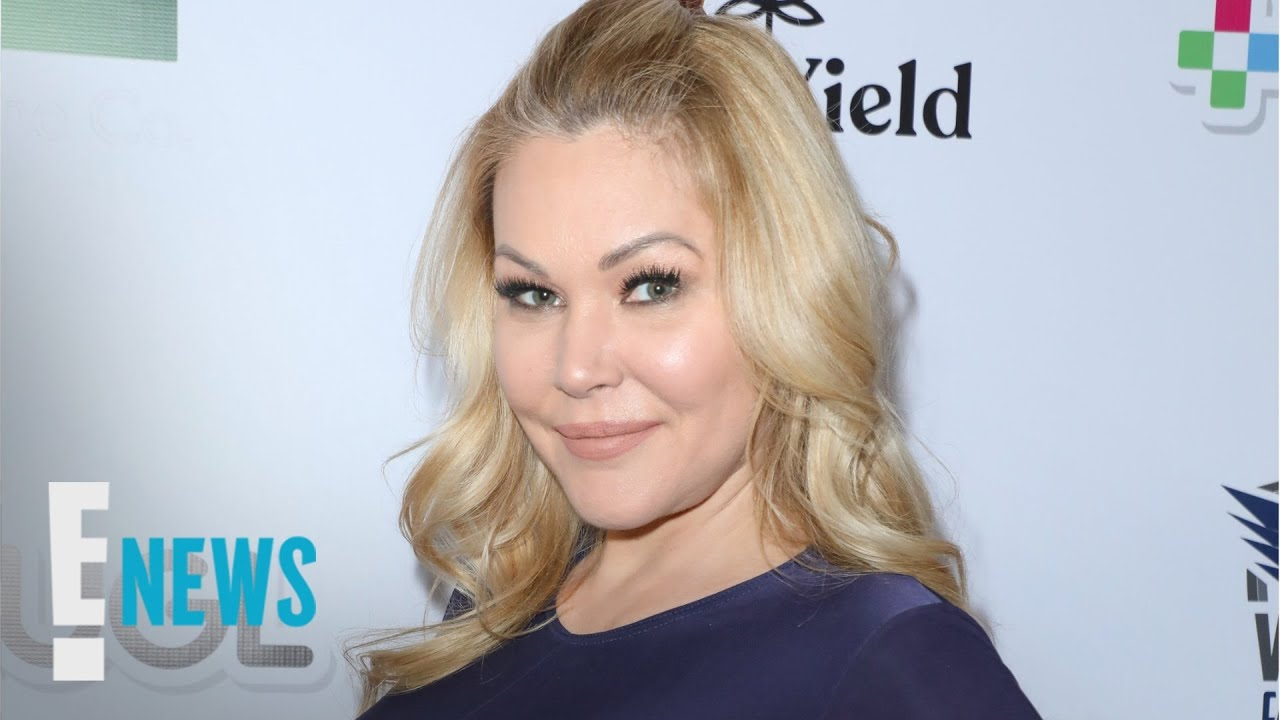 Shanna Moakler Removes Travis Barker's Tattooed Name From Wrist