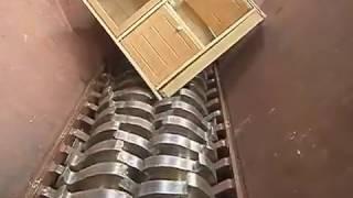 破砕機 ライオンシュレッダー  粗大ごみ (家具) の破砕  Shredding Furniture thumbnail