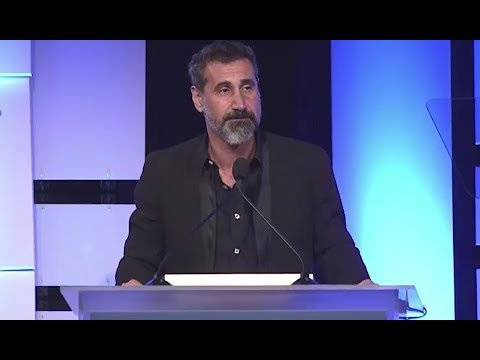 Serj Tankian talks about Chris Cornell (heartbreaking)