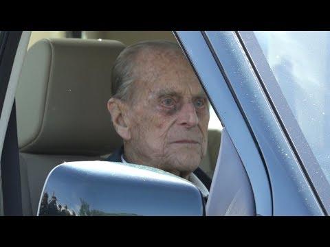97-летний британский принц Филипп попал в автомобильную аварию