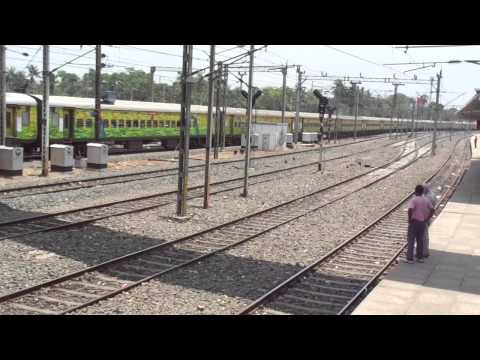 Yesvantpur Duronto skips Santragachi Jn. with SRC WAP4 in lead! [HD]