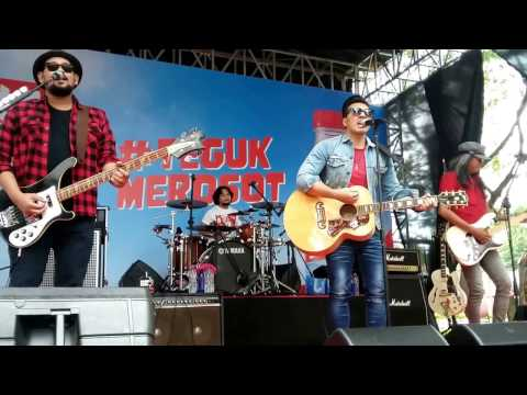 NAIF - Pujaan Hati Live At Teguk Merosot Party Epicentrum 9 April 2017