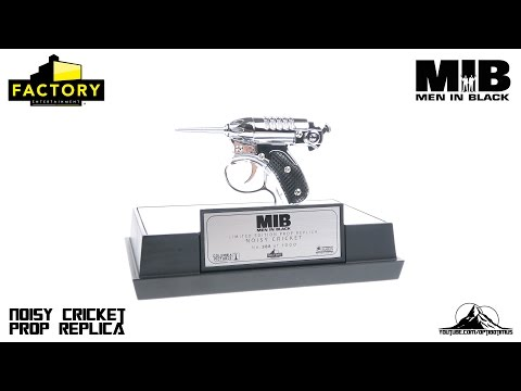 Men In Black NOISY CRICKET Prop Replica Video Review