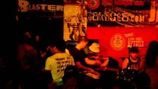 The Chongkeys - Tara na & Diksyonario - Malate District Bar