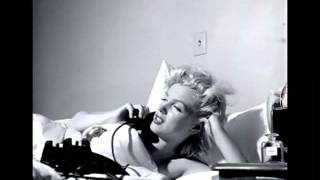 Robert Palmer   She Makes My Day Marilyn Monroe)   LYRICS ON SCREEN