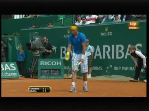 Rafa Nadal vs. Juan Carlos Ferrero, 6-4, 6-2 en 1 hora 35 mn.