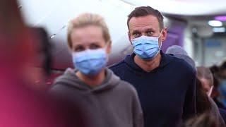 Kremlin critic Alexei Navalny boards plane for Russia