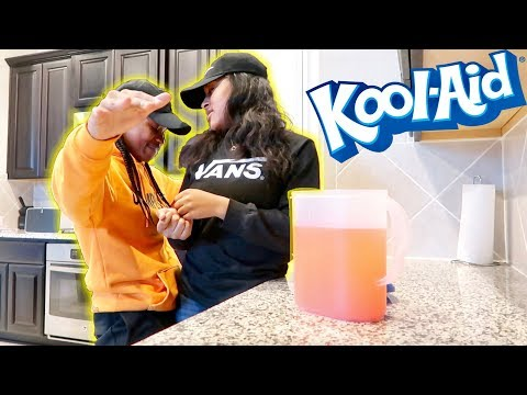 Download Youtube: MY GIRLFRIEND FIRST TIME MAKING KOOLAID!!! *Crazy Reaction*