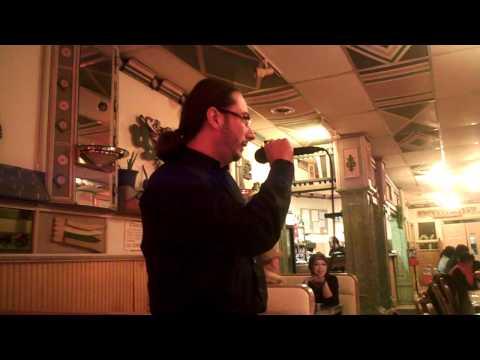 """Francisco singing """"Californication"""" at la condesa (karaoke con lalo)"""