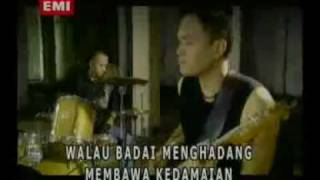 Free 3gp Ada Band   Masih Video   Download 3GP Ada Band   Masih for mobile phones 3G Gratis  Thursday 22nd of July 2010 04 44 10 PM