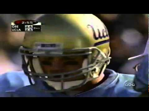 UCLA QB Cade McNown barfs on the field while under center vs. Oregon 10-17-1998