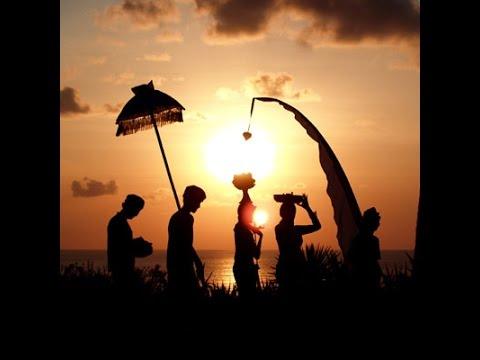 Bali - Galungan lan Kuningan - by elNino Irawan