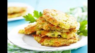 Картофельные драники с сыром. Драники из картошки. Драники с сыром и зеленью.