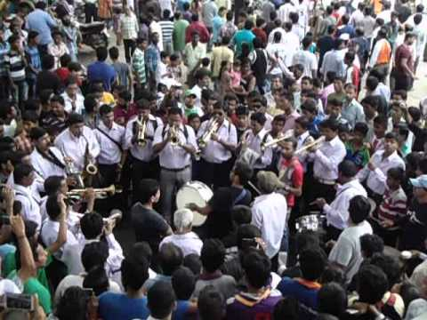 Maja Chintamani Maja Chintamani...Maja Mumbaicha Raja Ho Chintamani  Song On Brass Band Must Watch