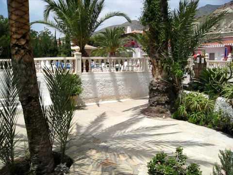 Jardin el oasis de las palmeras bolnuevo youtube for Bazzel el jardin de los secretos