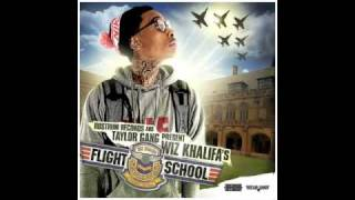 Starstruck (remix) - Wiz Khalifa - Flight School [WITH DOWNLOAD & LYRICS]