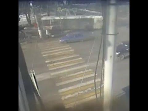 ДТП с автобусом в Волгограде   V1.RU