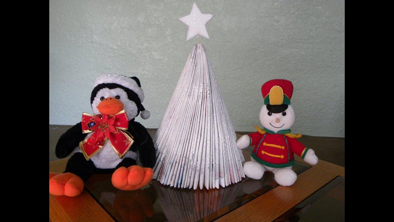 Arbolito de navidad reciclable hecho con revistas - Manualidades para navidades ...
