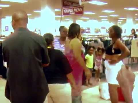 Ghetto women fight at the mallKaynak: YouTube · Süre: 2 dakika48 saniye