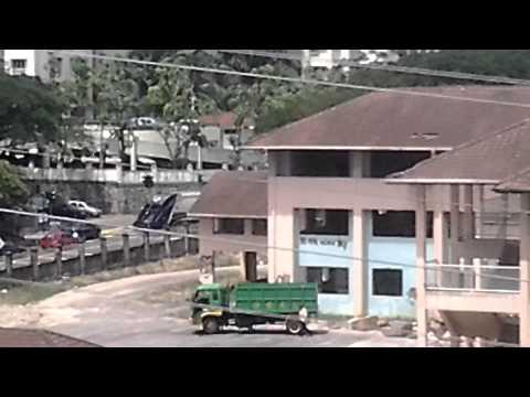 DBkL cars just do a Fucker thing in Taman Desa KL