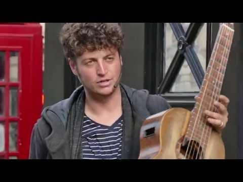 Edinburgh Fringe Festival - Tom Ward - Superb Guitarist - [UHD/4K]