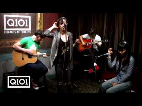 Juliette Lewis performs
