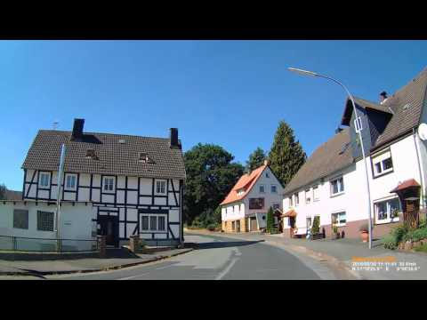 D: Nieder-Waroldern. Gemeinde Twistetal. Landkreis Waldeck-Frankenberg. Ortsdurchfahrt. August 2016