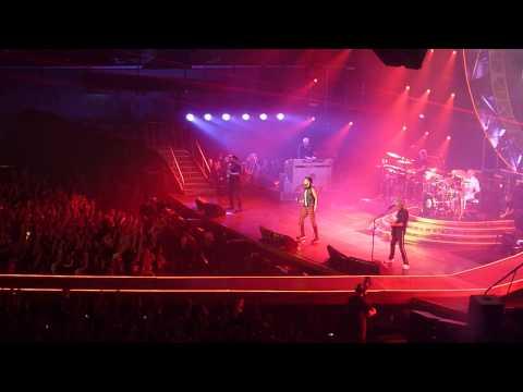 Queen + Adam Lambert   Radio Ga Ga live Stadthalle Wien 2015.02.01 Austria