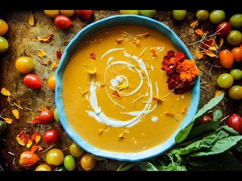 Creamy Vegan Tomato Basil Soup