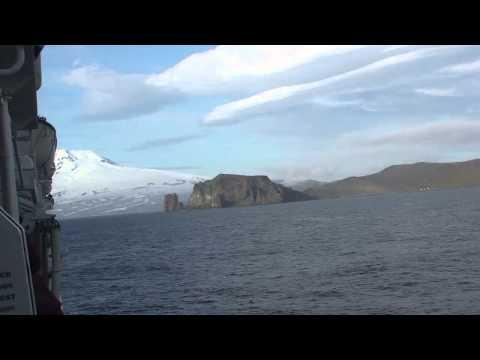 Jan Mayen - Vulkan hinter Wolken