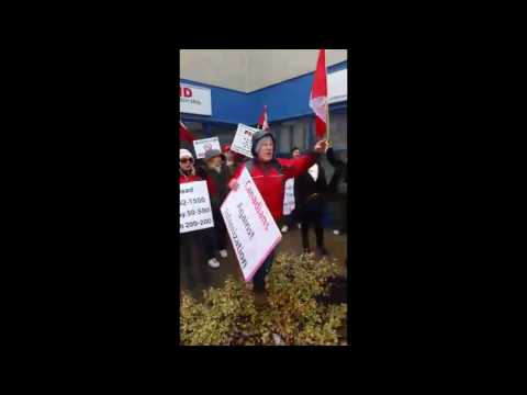 Mississauga M103 Protest: When Islamophobic Protesters attack!
