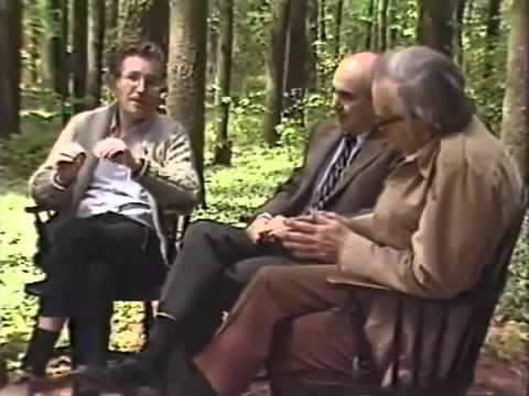 Noam Chomsky  A Short History of the Cold War  1985