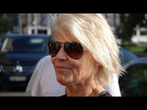 Present To Linda Hamilton In Budapest - Terminator 6