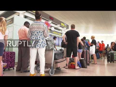 Spain: Chaos in Barcelona as strikes at airport cause huge queues in El Prat