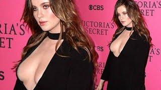 Ireland Baldwin Hot Cleavage Show | Victoria's Secret Fashion Show 2015