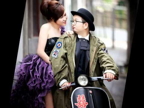 Vespa wedding photo Taipei Taiwan by Tiger & Mavis