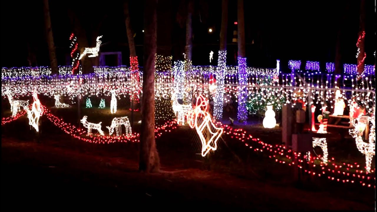 Christmas Lights At Mt. Dora Boating Center and Marina - YouTube