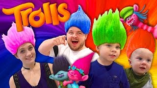 TROLLS FAMILY DRESS UP!