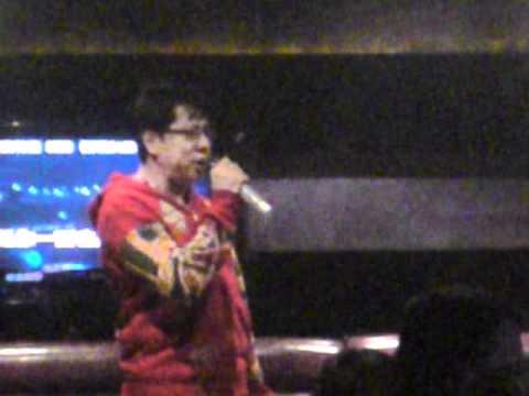 LEON(lai ming) singing friend well...