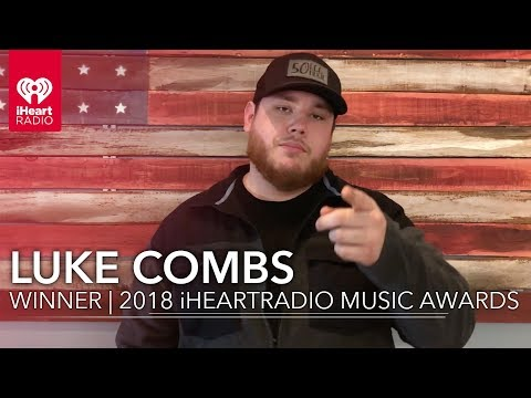 Luke Combs Wins Best New Country Artist | 2018 iHeartRadio Music Awards