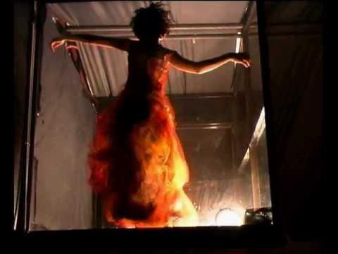 גלית בכור מעצבת אופנה ואביזרים - Galit Bechor Israeli fashion designer