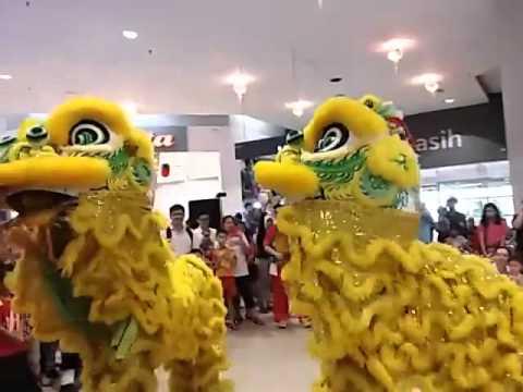 Download Tarian Singa / Lion Dance