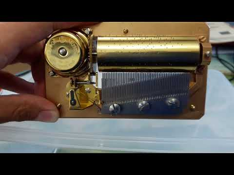 Reuge 1 tune 50 note music box movment