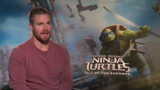 """Stephen Amell: WWE was """"positively terrifying"""", I want another match"""