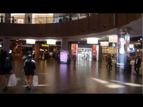 Islamic call to prayer in Dubai Mall