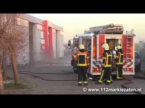 Gewonde bij brand in bandencentrum in Sint-Annaland