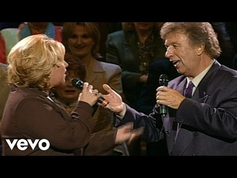 Sandi Patty - Right Place, Right Time [Live]