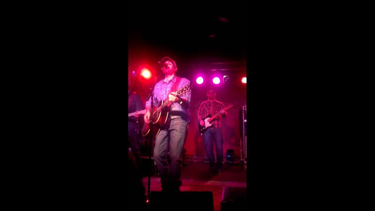 Casey Donahew Band :: Twelve Gauge Lyrics